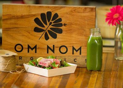 om nom food sign